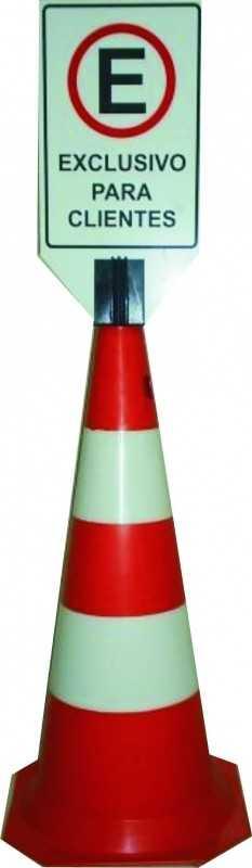 Cone de Sinalização em PVC 75 cm Altura Lr/Br com placa personalizada